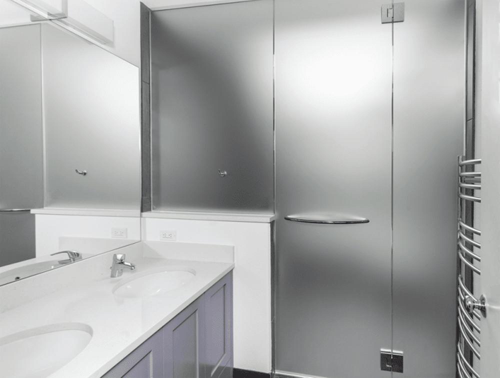 puertas de ducha de vidrio grabado