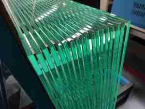 низкое железо закаленного стекла