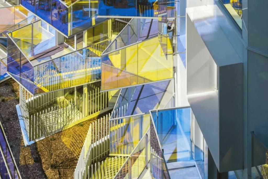 Barandilla de vidrio laminado colorido 2