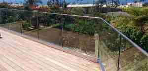 U channel frameless glass railing for balcony