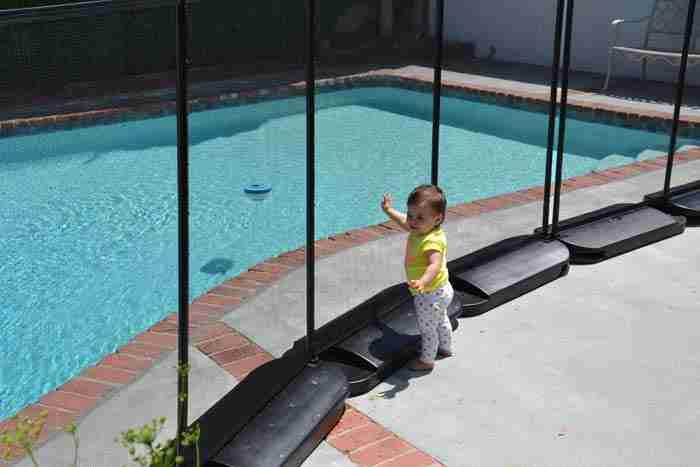 L'installation de clôtures en verre doit tenir compte de l'écart, de la hauteur, etc.