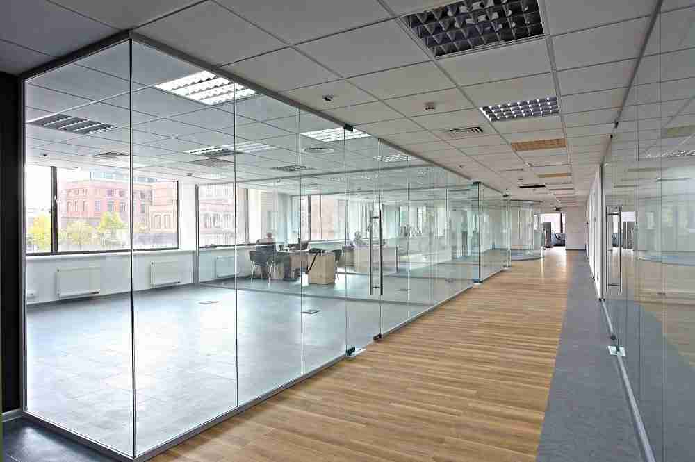 Good soundproofing internal glass partition