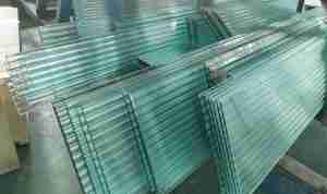 Shenzhen Dragon Glass provide gorgeous fluted glass handrails for stairs with competitive price