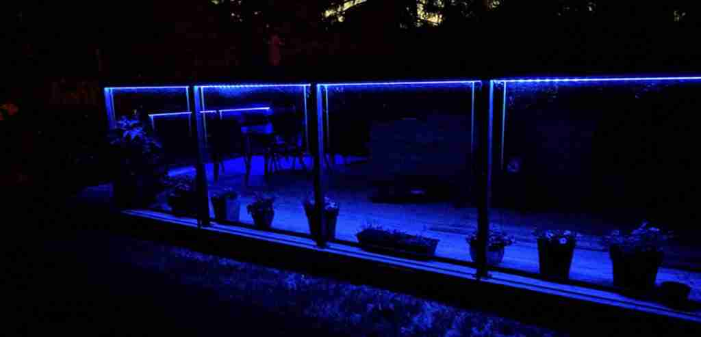 Lighted glass deck railing