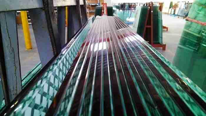 Безупречная полировка кромок закаленного стекла
