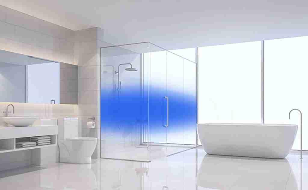 Farbverlauf blaue Design-Duschtüren.