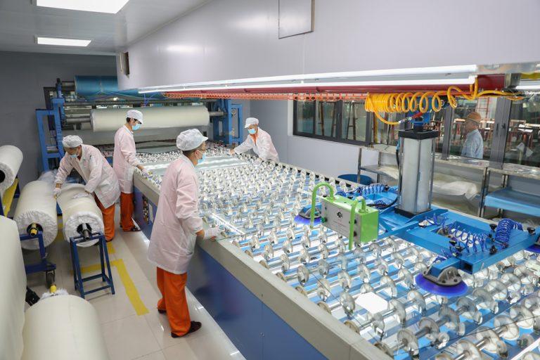 Fournisseur fiable de vitrages stratifiés en Chine. Shenzhen Dragon Glass fournit des produits stratifiés de haute qualité.